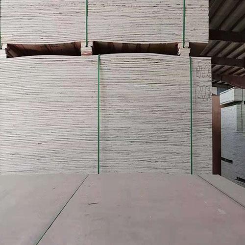 木质包装箱板